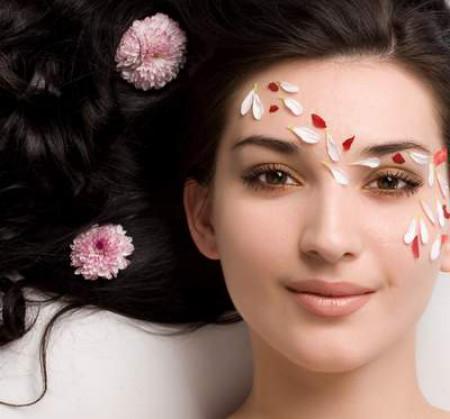 Chăm sóc da đúng cách sẽ làm khuôn mặt bạn rạng ngời khi trang điểm