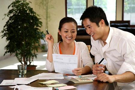 Cùng chồng giải bài toán chi tiêu gia đình