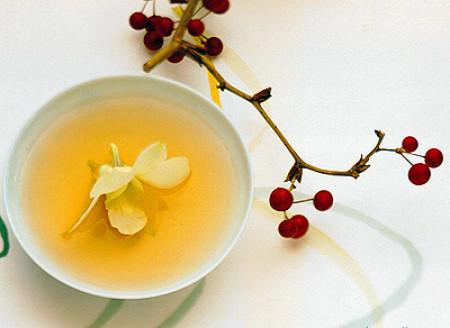 Không nên bảo quản trà xanh và hồng trà ở cùng một nơi