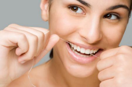 Vệ sinh răng miệng là việc cần thiết đối với mọi lứa tuổi