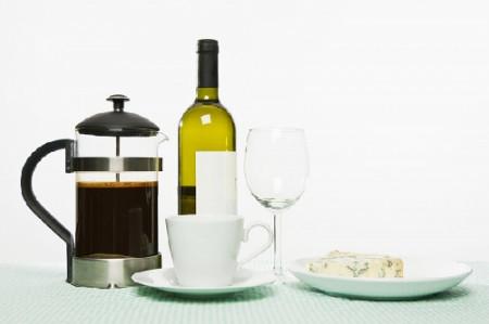 Kết hợp rượu và cà phê rất nguy hiểm cho sức khỏe