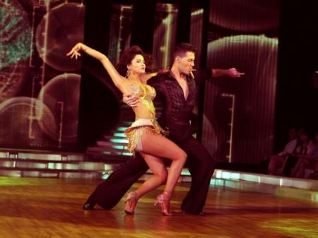 Vũ Thu Phương bị loại ở Liveshow thứ 6 - Bước nhảy hoàn vũ 2011
