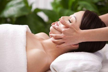 Chăm sóc da mặt thường xuyên sẽ đem lại vẻ đẹp quyến rũ cho phái đẹp chúng mình