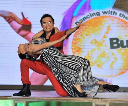 Diễn viên hài Đại Nghĩa đã dừng bước ở đêm thứ 7 Bước nhảy hoàn vũ 2011
