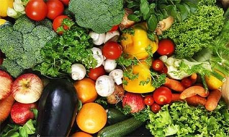 Trẻ em cũng cần được ăn nhiều rau quả