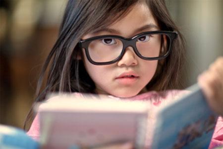 Nhiều bé cận thị từ khi rất nhỏ