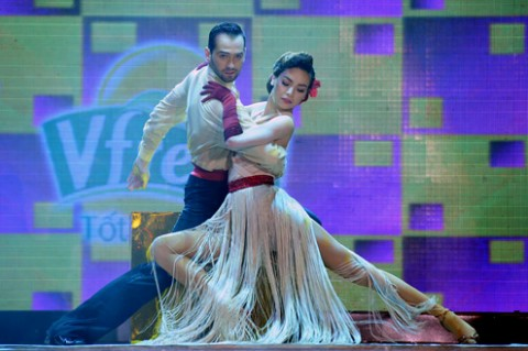Hồ Ngọc Hà nhảy cùng Daniel Denev