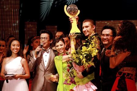 Chung kết Bước nhảy hoàn vũ 2011 (tuần 10) 1