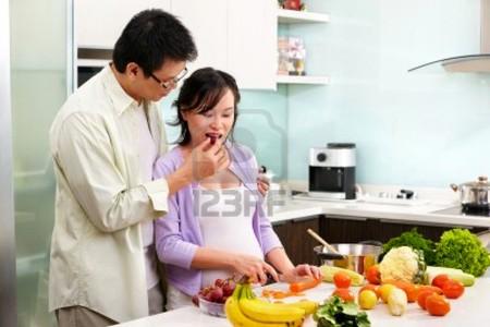 Bà bầu nên chọn ăn hoa quả như thế nào?