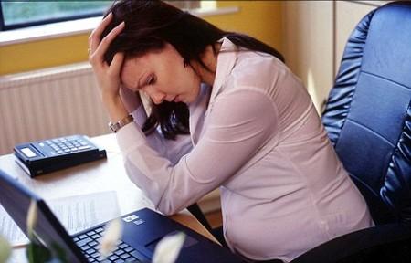 Bà bầu hay căng thẳng có thể sinh ra những đứa trẻ bị béo phì sau này.