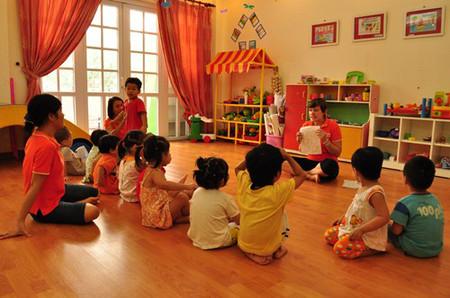 Không bao giờ là quá muộn hay quá sớm để cho trẻ làm quen với 1 ngôn ngữ mới.