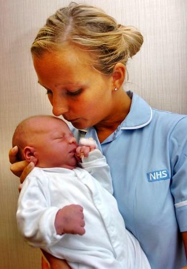 Kể từ giây phút đầu tiên chào đời, bé đã phải học cách dần thích nghi với cuộc sống mới.