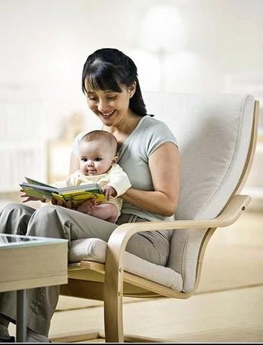 Nghe phụ huynh đọc sách, bé phát triển ngôn ngữ tốt hơn