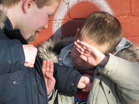 Cha mẹ có biết con mình bị bắt nạt ở trường hay không?