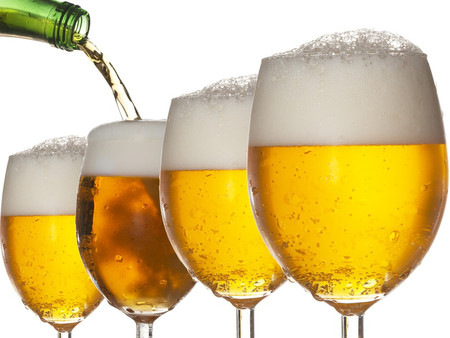 """Bia có thể làm người đàn ông say khi uống và chị em có thể làm đàn ông """"say"""" cũng bằng bia!"""