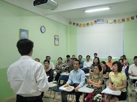 Tham gia các cuộc họp phụ huynh sẽ nắm được một phần hoạt động của con ở lớp, ở trường