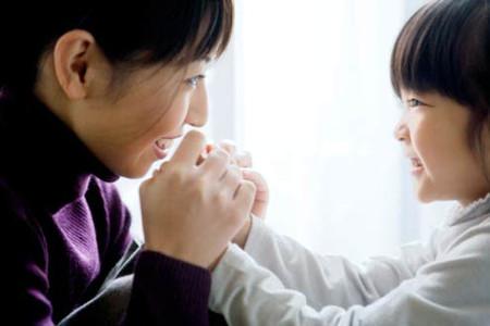 Hãy thể hiện sự tiếc nuối và ân hận của bạn khi làm tổn thương con trẻ.