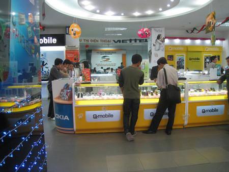 Điện thoại 2 sim chính hãng đang lấy thị phần hàng Trung Quốc.