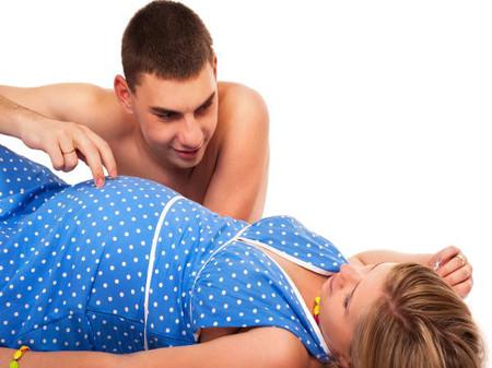 """Về chuyện """"yêu"""" khi có bầu: chồng nên tuân theo chỉ dẫn của vợ!"""
