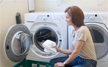 """Nắm vững được một số """"mẹo"""" nhỏ khi sử dụng, máy giặt sẽ dùng được bền lâu và mang lại hiệu quả sử dụng cao."""
