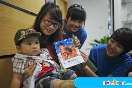 Nhiều mẹ mang con đến văn phòng và những câu chuyện ở đó sẽ là một phần trong tâm trí trẻ
