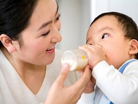 Nhu cầu sữa của mỗi trẻ mỗi khác
