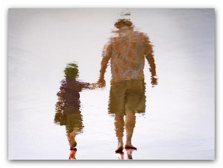 Những hình ảnh về cha cứ nhạt nhòa dần đi từ khi ông có người đàn bà khác