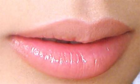 Đôi môi mọng là niềm mơ ước của nhiều cô gái.