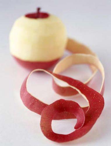 Vỏ táo có hàm lượng chất xơ phong phú, hỗ trợ tiêu hóa.