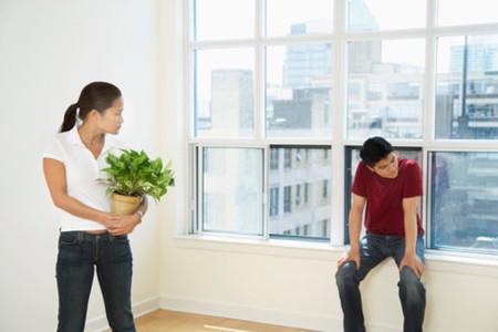 Phụ nữ thường gây sức ép lên chồng mình.