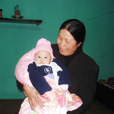 Ảnh hưởng của người giúp việc tới trẻ rất lớn, đôi khi còn lớn hơn cả ảnh hưởng của mẹ