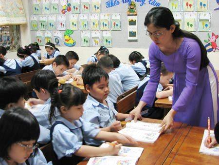 Sự nghiệp giáo dục không chỉ nhiệm vụ của thầy cô giáo mà còn là trách nhiệm của cả gia đình và cộng đồng cùng chung tay.