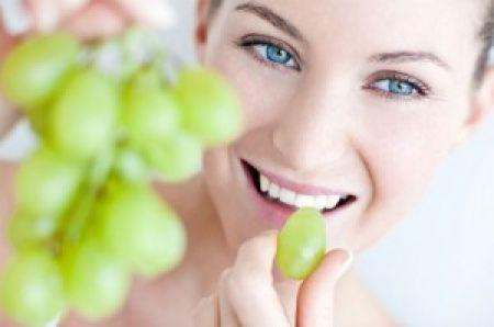 Nước ép từ nho có tác dụng kích thích quá trình trao đổi chất trong da