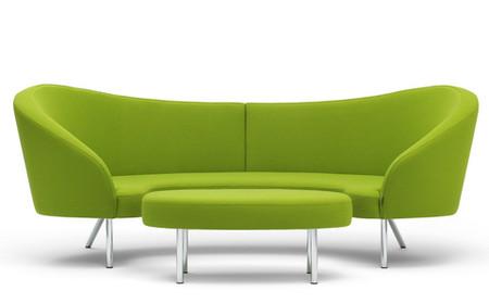 Sofa lưng tựa mỏng để tiết kiệm diện tích theo chiều sâu, tay vịn mỏng hoặc không có tay vịn để tiết kiệm không gian theo bề rộng.