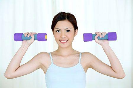 Tập luyện cho cánh tay cũng rất cần thiết giúp bạn có cơ thể chắc khỏe