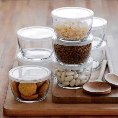 Thủy tinh là chất liệu có khả năng giữ cho những thực phẩm khô tươi lâu trong khoảng thời gian dài