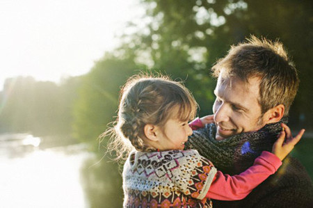 Và nếu con gái anh sau này hiểu chuyện, liệu nó sẽ nghĩ thế nào về người bố này?
