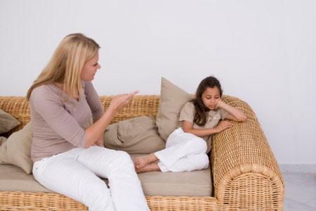 Con không nghe lời, bướng bỉnh khiến cha mẹ không khỏi lo lắng.
