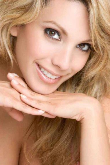 Các loại mặt nạ chăm sóc da và cơ thể sẽ giúp bạn lấy lại làn da mềm mượt.