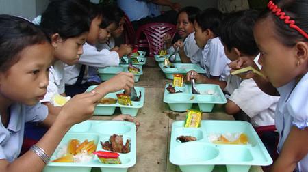 Một chế độ dinh dưỡng hợp lý là tiền đề vô cùng quan trọng để bé học tốt