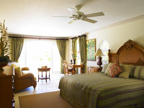 Căn phòng nhỏ, duyên dáng thì gia chủ nên lựa chọn những chiếc quạt trần nhỏ gọn, độc đáo.