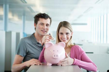 Nhiều cặp vợ chồng chỉ quan tâm đến tích lũy kinh tế và coi nhẹ những việc khác