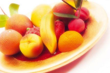 Hoa quả chính là liệu pháp chữa nám tại nhà rất đơn giản mà hiệu quả.