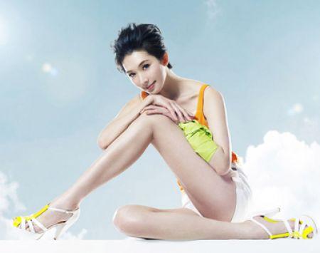 Tập thể dục cộng với massage sẽ làm chân bạn đẹp lên trông thấy.