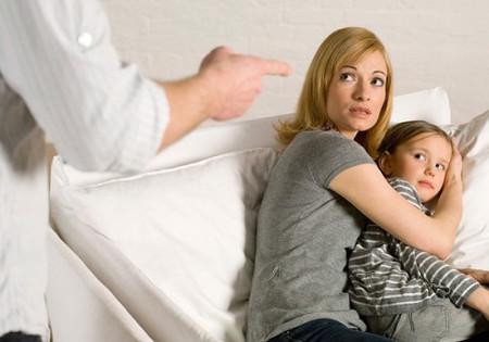 Những hình ảnh tồi tệ của người cha khiến tôi rất khó xúc cảm với đàn ông.
