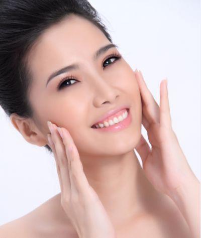Giữ cho da sạch và ngủ đủ giấc là chìa khóa giúp bạn có làn da sáng mịn.