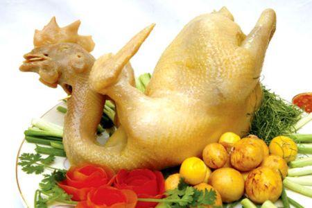 Cần chọn gà thật kĩ càng để có được con gà luộc ngon và đẹp mắt