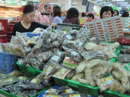 Nên mua các mặt hàng khô có xuất xứ rõ ràng, có hạn sử dụng trên bao gói.