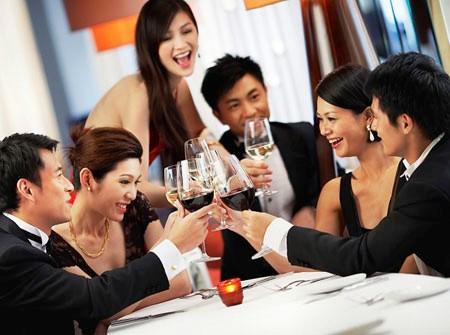 Người bị xơ cứng động mạch uống nhiều rượu dễ bị thiếu máu não.