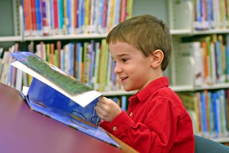 Sách mở ra cho trẻ một chân trời mới.